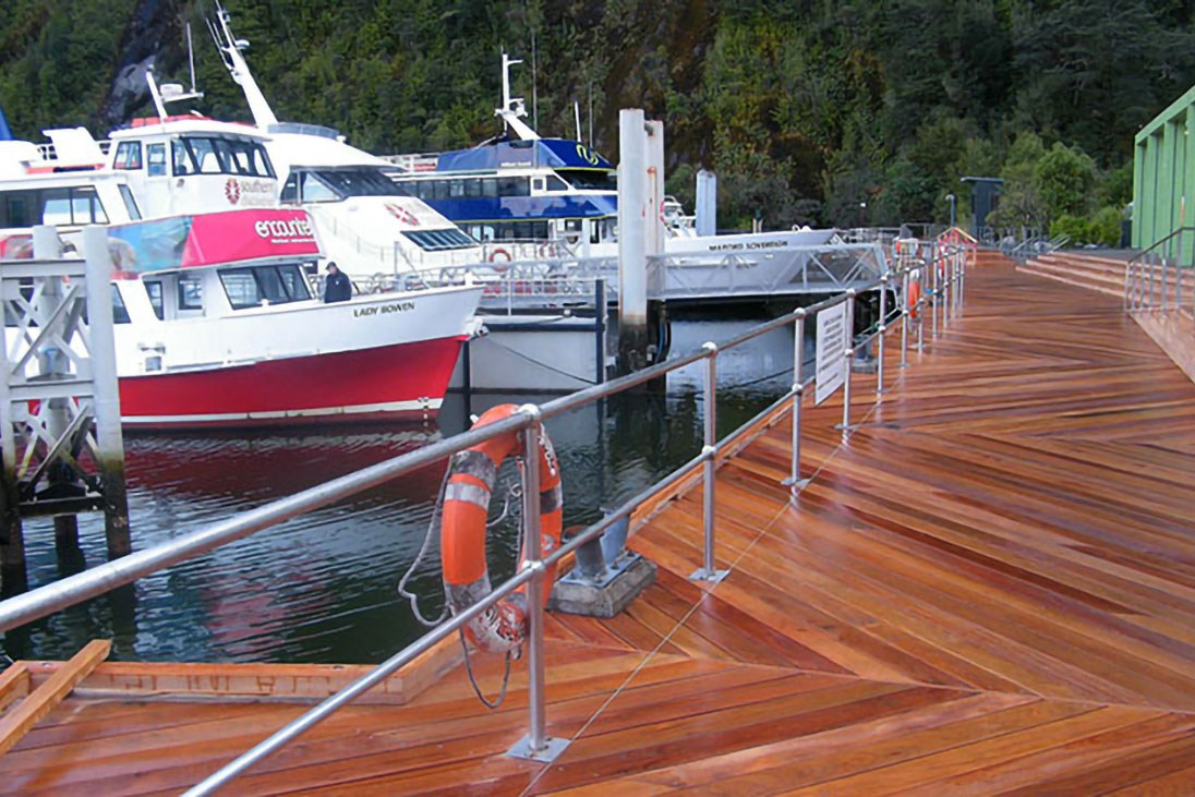 milford-sound-harbour-05